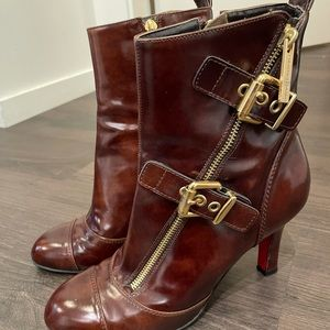 LUCIANO PADOVAN Patent leather boots.Made in Italy